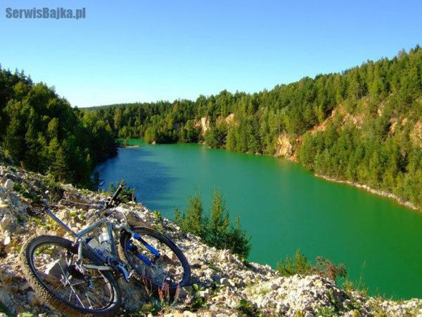 gory_swietokrzyskie_lazurowe_jezioro_wisniowka