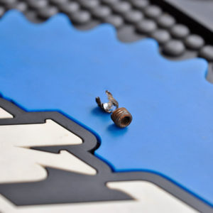 wykręcenie zapieczonej śruby serwis bajka